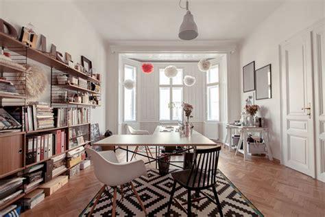 wohnung vintage biało czarny dywan skandynawski r 243 zne krzesła zdjęcie w