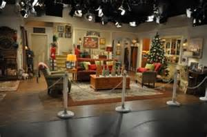 Livingroom Theatre Portland warner bros special events a quot set quot stage for the holidays