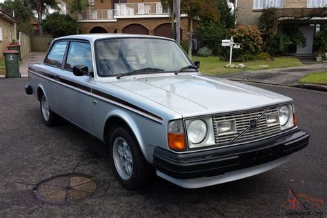 collectable volvo gt  stunning  manual  door coupe