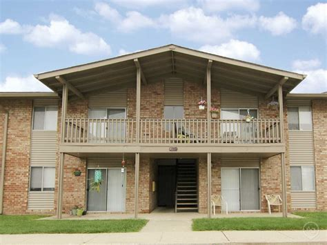 grove appartments beech grove village apartments indianapolis in 46237 apartments for rent