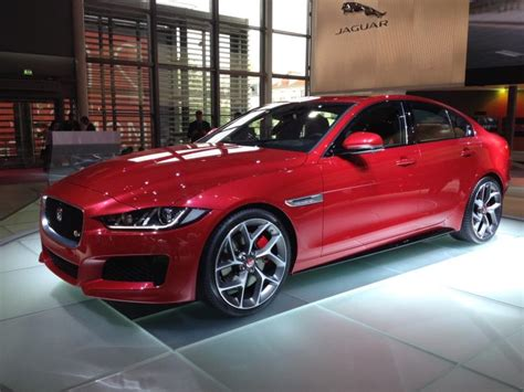 jaguar sports sedan 2016 jaguar xe luxury sedan is tailor made to rattle