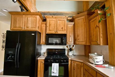 photo 9284 rustic cherry kitchen cabinets