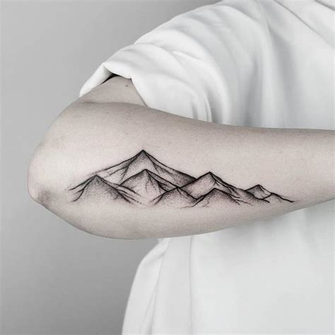 46 magnificent mountain tattoo designs tattoobloq
