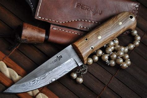 Handmade Cutlery - custom made damascus buscraft knife handmade