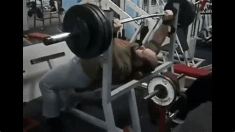 touching chest on bench press guys who don t touch their chest on the bench press page