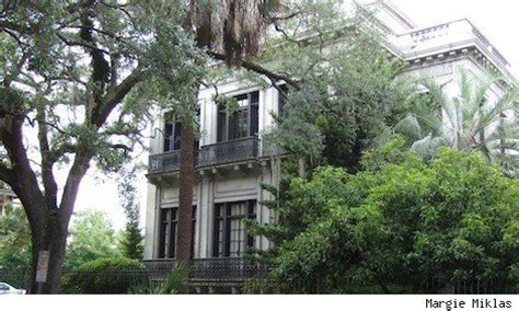 famous movie houses which movie is this house from the famous movie locations cemetery from midnight in the