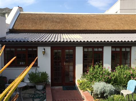 Mountain View Cottages by Re Thatch Mountain View Cottages Fish Hoek Thatchscapes