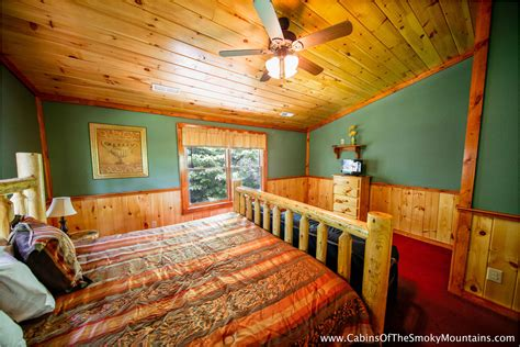 6 bedroom cabins in gatlinburg tn pigeon forge cabin poolin around 6 bedroom sleeps 28