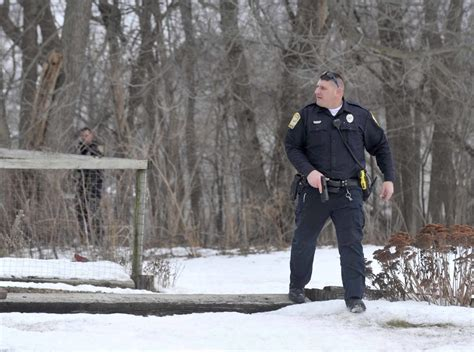 the messenger fort dodge iowa fort dodge suspect found up a tree news sports