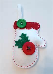 diy felt holly mitten ornament kit by polkadotcreek on etsy