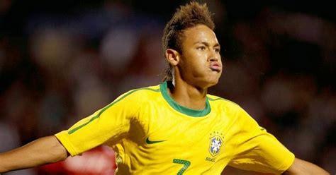 neymar biography 2014 players gallery neymar soccer player bio news profile