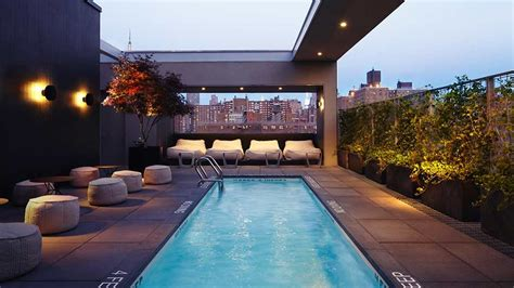 Roof Top Bars New York City by Best Rooftop Bars In New York City To Drink