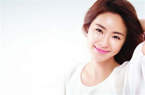 korean actress lost korean actress lee yeon hee talks about her sk ii ritual