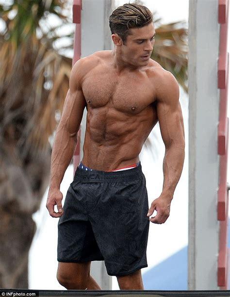 zac efron training zac efron baywatch workout routine and diet plan he got
