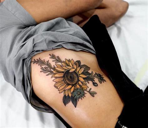 imagenes de tatuajes de girasoles 1001 ideas de tatuajes de flores en diferentes estilos