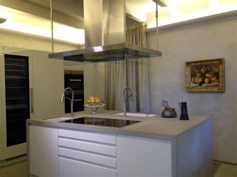 Arredamento Cucina Moderna by Arredamento Cucina Moderna Con Isola Al Centro Ssl