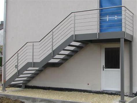 outdoor metal treppen linienf 252 hrung gut grauenhaftes gel 228 nder treppen au 223 en