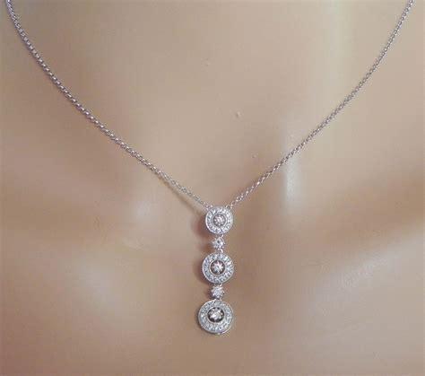 14k white gold diamonds circle pendant