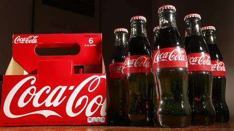 firma coca cola čtvrtletn 237 zisk coca coly klesl o 400 milionů firma tvrd 237
