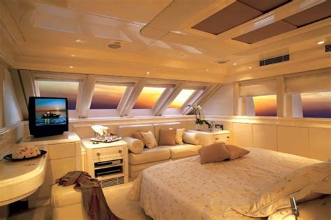 yacht bedroom the gallery for gt luxury yacht bedroom