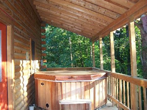 Cabins With Tubs In Wv by Cloudy Tub Cabin 3 Picture Of Yokum S Vacationland