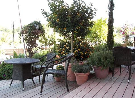 terrasse auf stelzen balkon auf stelzen pfosten terrassenplatten auf beton