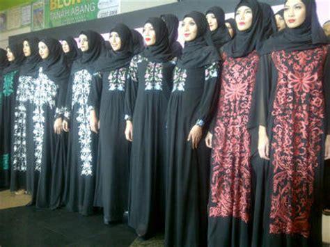 Dress Gamis Gamis Songket Luthfia Dress Koleksi Busana Muslim Baru Itang Yunasz Serancak Tenun