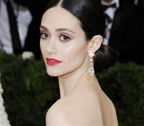 Gorgeous Makeup At The Emmys 2 by Get Emmy Rossum S Gorgeous Makeup And Hair From The Cfda