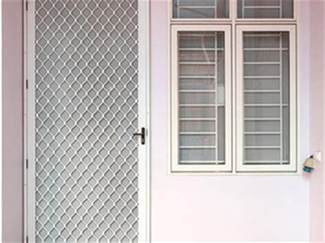 Pintu Teralis Kawat Nyamuk Berkualitas pintu kasa nyamuk makmur aluminium