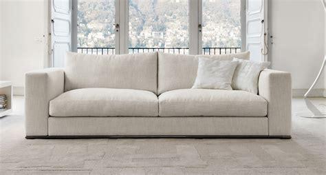 desiree poltrone divano cuscini in piuma basamento in metallo modello ozium