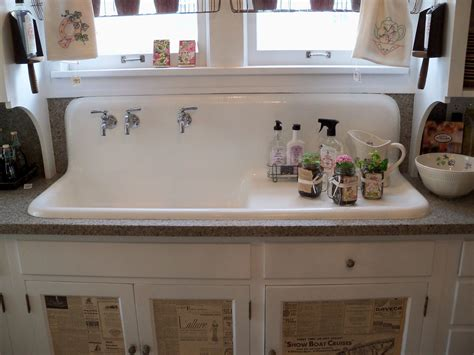 Old Farmhouse Kitchens   The old farm sink and check out
