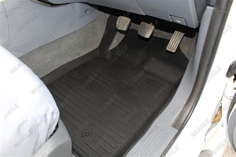 nissan navara d40 tray rubber floor mats tailored