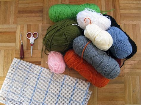 rug hooking tutorial 17 best images about latch hook rugs diy patterns on crafts hooks and