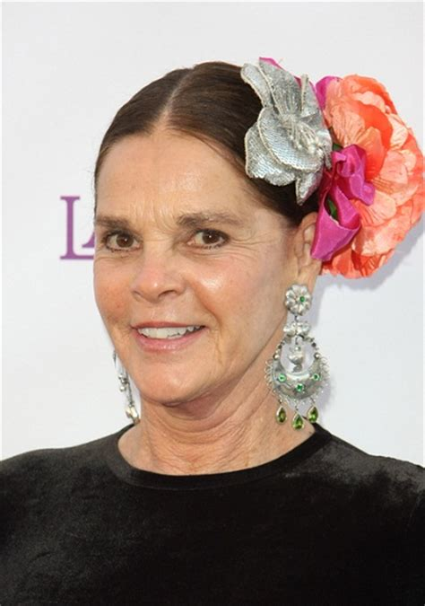 Ali MacGraw Hairstyle, Makeup, Dresses, Shoes And Perfume   Celeb Hairstyles