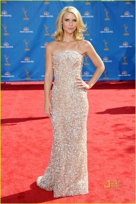claire danes red carpet claire danes hugh dancy emmys 2010 red carpet photo