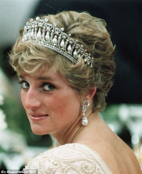le lade di sale kate middleton wears diana s favourite knot tiara for