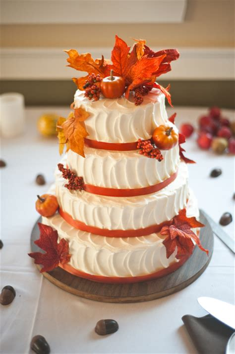 fall wedding cakes fall wedding cake ideas for incorporating fall effect