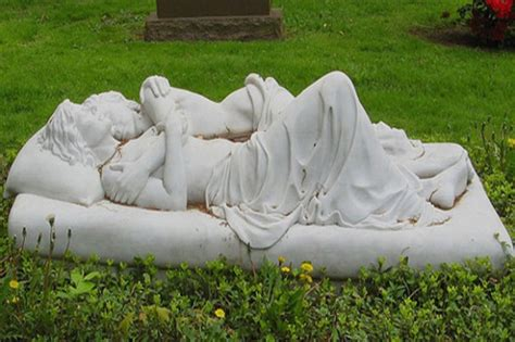 really cool grave art designs 35 pics