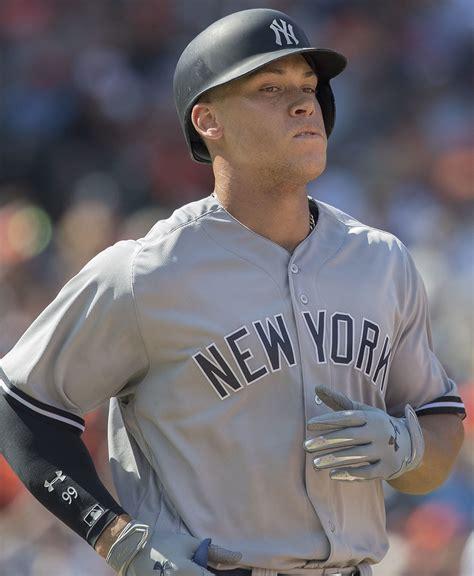 aaron judge the story of the new york yankees home run hitting phenom books aaron judge