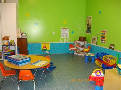 home daycare decor from garage to daycare garage designs decorating