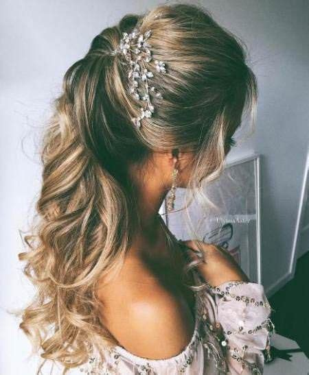 Wedding Hairstyles Curly Hair Half Up Half by 25 Unique Hair Half Up Ideas On Half Up
