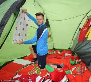 Arsenal Bedroom Wallpaper Arsenal Carl Jenkinson And Lukas Podolski Pitch Up