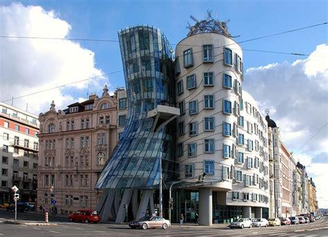 Prag Das Tanzende Haus Travello