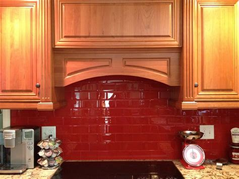 red tile backsplash kitchen best 25 glass tile kitchen backsplash ideas on pinterest