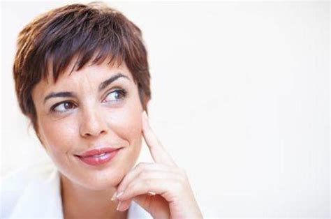 middle aged mom haircut 28 best hairstyles for women over 50 images on pinterest