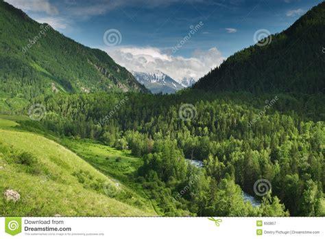 mountain valley royalty free stock photos image 34806918 mountain valley royalty free stock photography image 650857