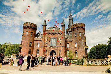 Schloss Hochzeit by Heiraten Im Schloss Moyland Am Niederrhein