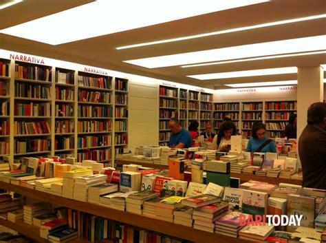 laterza libreria alla libreria laterza paolo di paolo presenta il suo