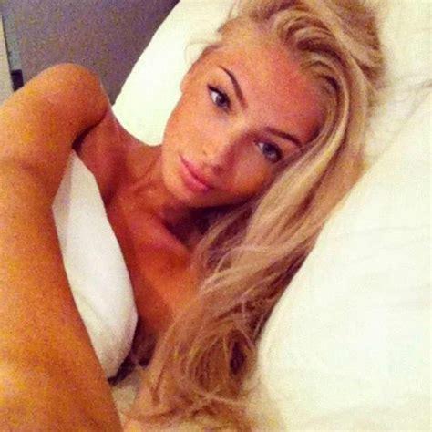 bed selfies wall vk