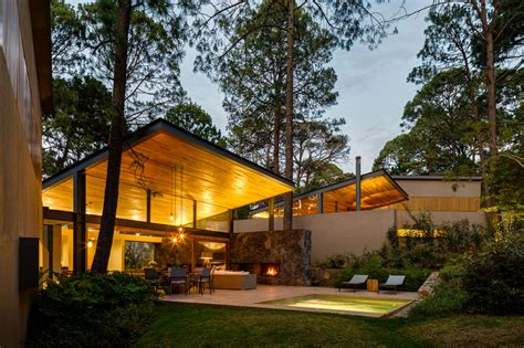 home design shows on bravo weber arquitectos design a home surrounded by forests in